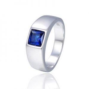 Surinaamse holle zilver cachet ring glad met blauwe vierkante steen