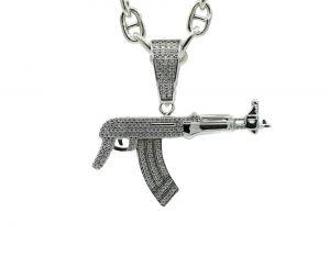 Zilveren geweer hanger met zirkonia steentjes